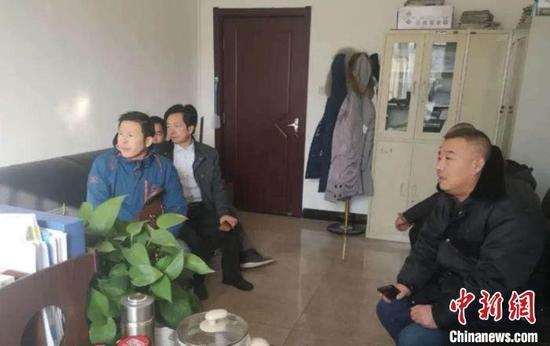 由大同市云冈区检察院支持起诉的10起74名农民工追索劳动报酬纠纷一案在云冈区法院开庭审理。山西省人民检察院供图