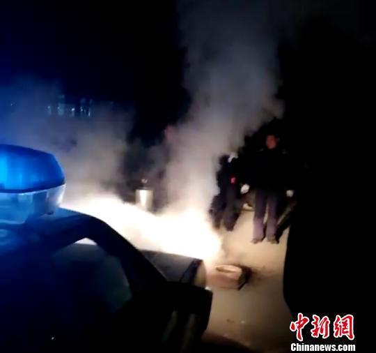 山西省忻州市公安局环安支队联合忻府区公安局成功办理一起违反《大气污染防治法》治安案件。官方供图