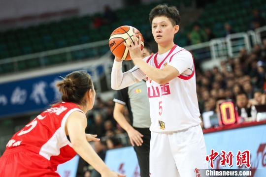 山西女篮队员在比赛中。 刘一凡 摄