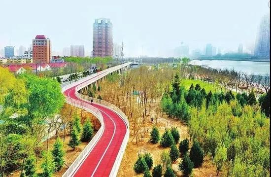 5月1日太原市举行滨河自行车道向市民开通活动