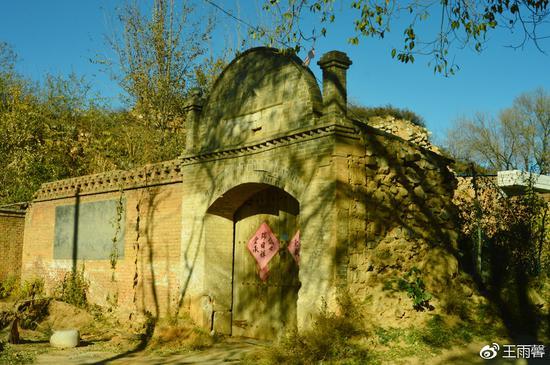 关门内有五道庙,还有老宅,依然有人住。