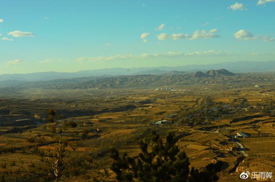 为修建公路,将石岭关腰斩,可是可惜。而关外就是现在的忻州市。