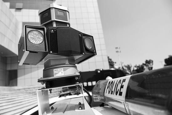 扫街车上的高清摄像机。山西晚报记者胡续光摄