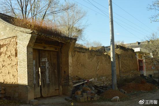 村内的老宅
