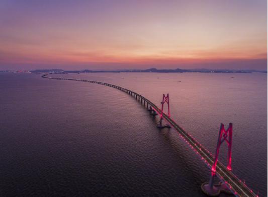 珠港澳大桥开通 快来一场说走就走的旅行吧
