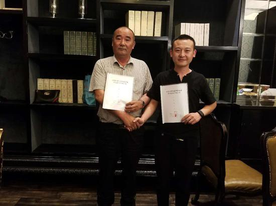 联合创始人白跃生副总经理,右联合发起人创始人杨冬冬副总经理