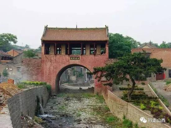 上庄村河街(上庄是嘉靖二十三年(1544)进士、户部尚书王国光故里,现在已被开发为天官王府旅游区)