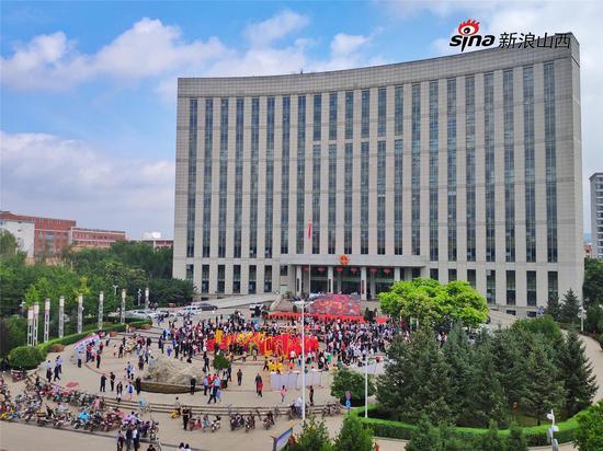 本届牛郎织女爱情文化节启动仪式现场 摄影:郝智祥