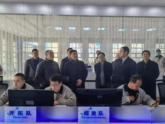 胡海军在唐安煤矿督导检查春节期间安全生产工作