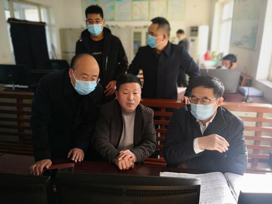 王端武在介休市督导检查煤矿安全生产工作
