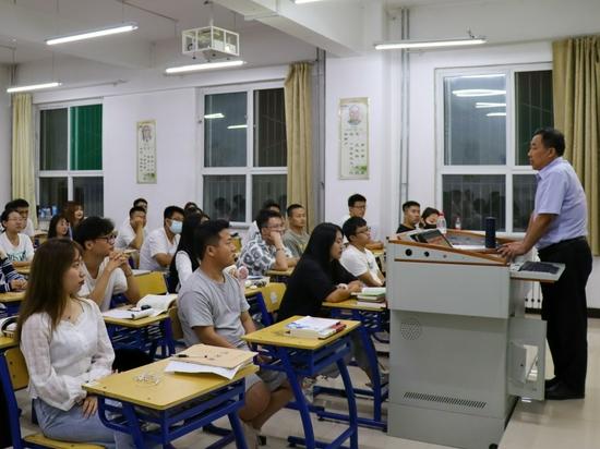 """山西工商学院:讲好""""安全教育第一课"""" 筑牢安全工作新防线"""