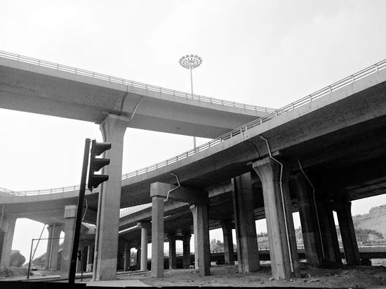 太原南中环太行路立交桥主体成型 预计8月底完工