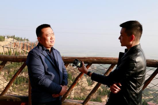 山西恒圣通集团董事长、大禹渡旅游开发有限公司总经理李小五接受采访