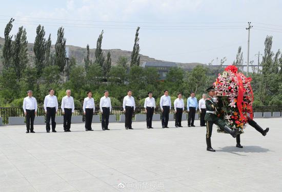 习近平参观晋绥边区革命纪念馆