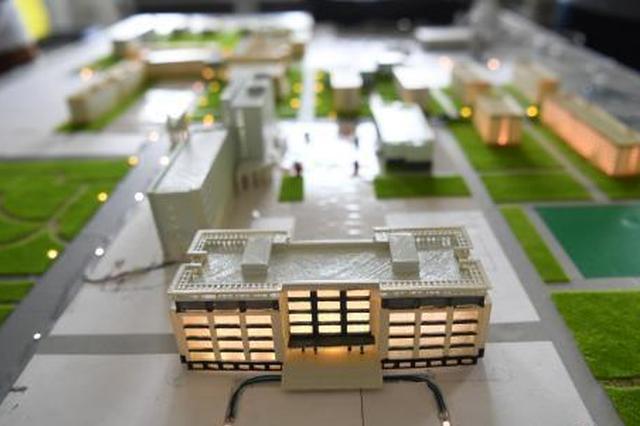 太原毕业生制作3D微缩版校园模型送母校