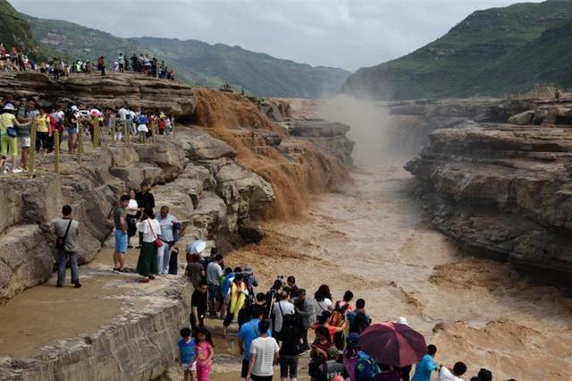 山西临汾黄河壶口瀑布洪峰过后开放迎客