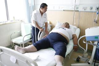 山西344斤重男子缩胃减重