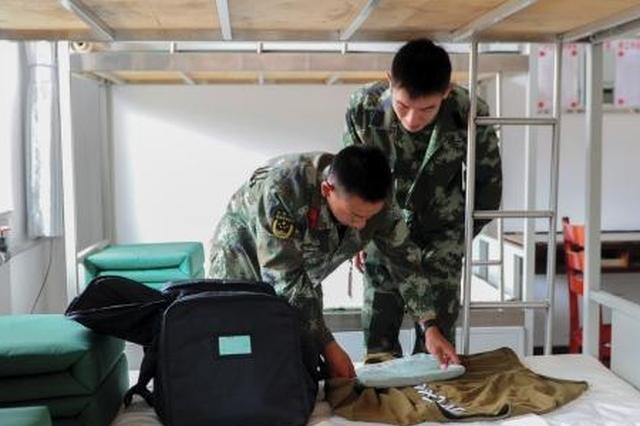 武警山西总队首批新兵入营