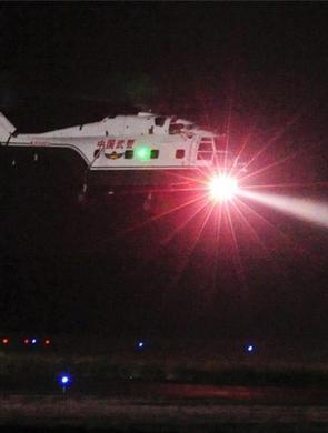 山西武警加强空中力量夜航训练