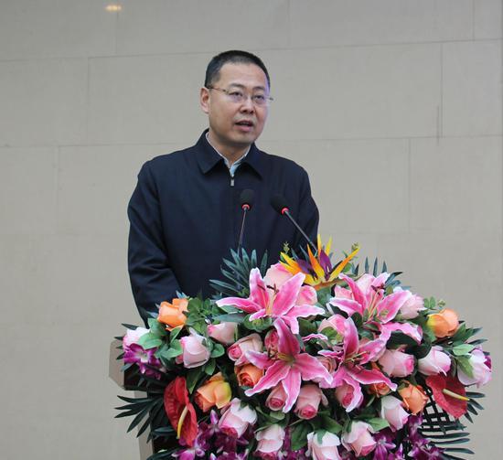 市委宣传部常务副部长胡建林致辞并宣布展览正式开幕