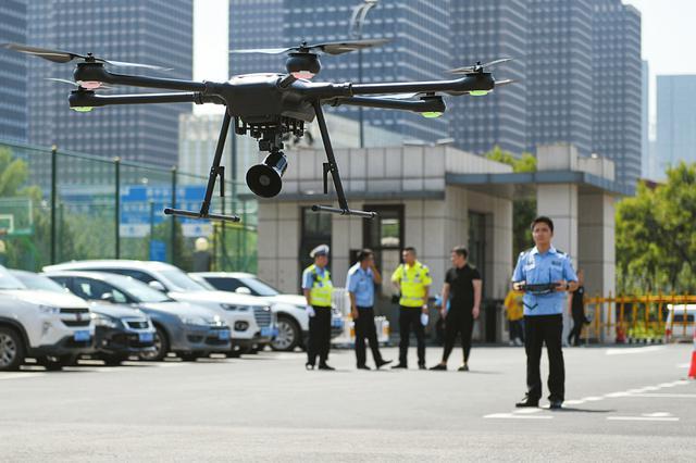 太原交警又添执法神器  无人机等警用设备登场
