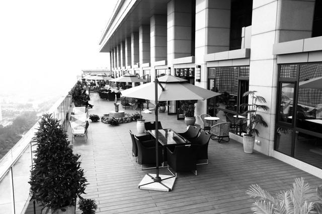 太原现首家俯瞰汾河顶楼露台餐厅 米其林主厨带队