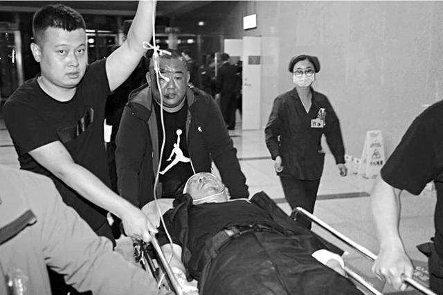 太原西山护卫队两名保安制止犯罪时被歹徒刺伤
