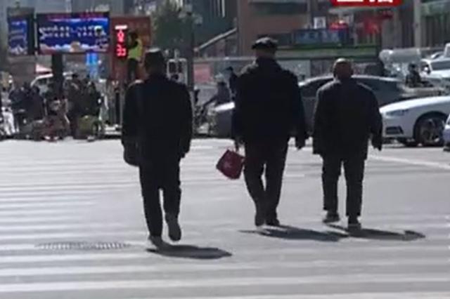 视频丨太原人脸识别系统上岗 行人闯红灯现象减少