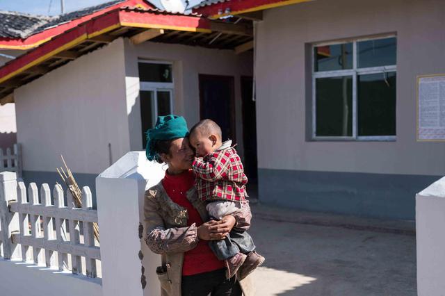 大同阳高5个村772名贫困村民分到新房