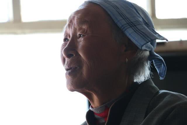 山西一农村老人患病栽水缸溺亡 老伴:不是儿子不孝