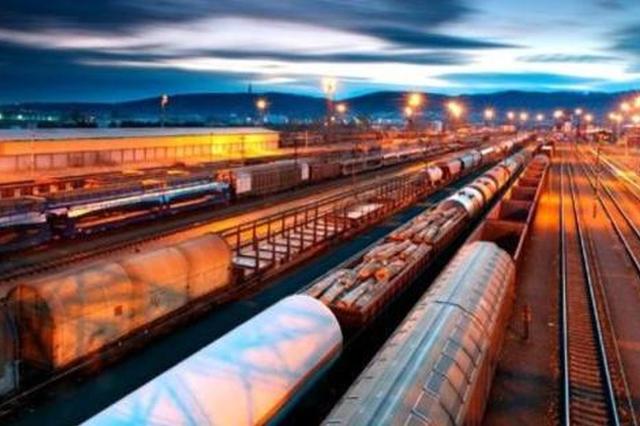 太铁创全国铁路货运量最高纪录 发送量突破6.72亿吨