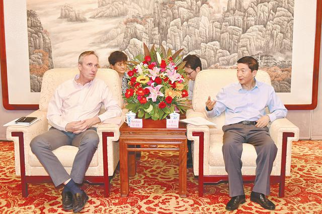 駱惠寧會見世界銀行中國、蒙古和韓國局局長
