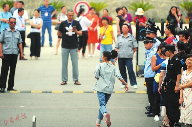 山西36万余名学子平稳度过中考首日 7月8日公布成绩