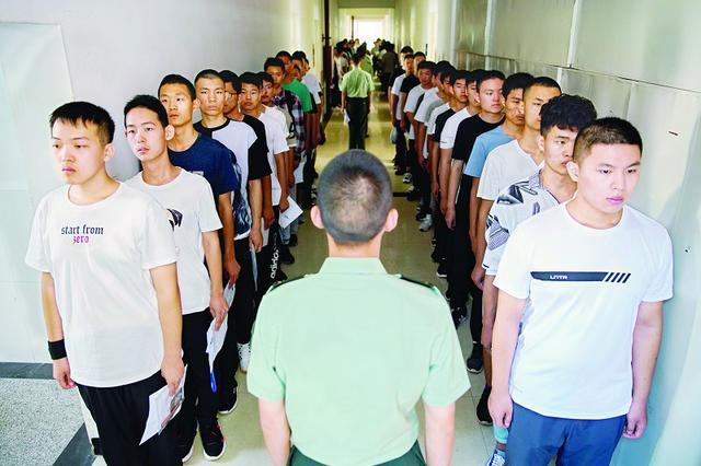 山西高考军队院校面试体检开始 计划招收439人
