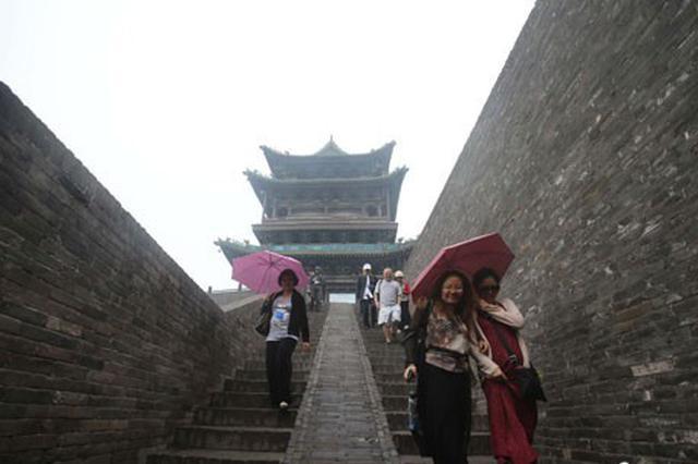 """古城平遥""""烹调""""旅游饭 20余年游客量增逾300倍"""