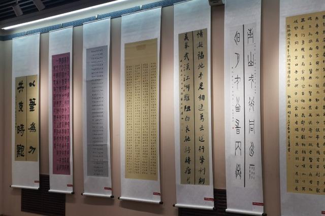 山西300幅抗击疫情美术书法作品亮相省美术馆