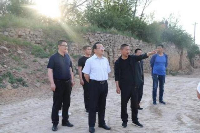 文水县委书记梁宝明深入调研易地扶贫搬迁工作