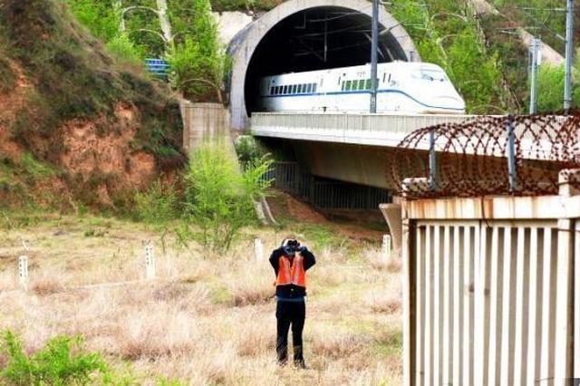 太原铁路运用无人机、卫星导航等科技防洪减灾