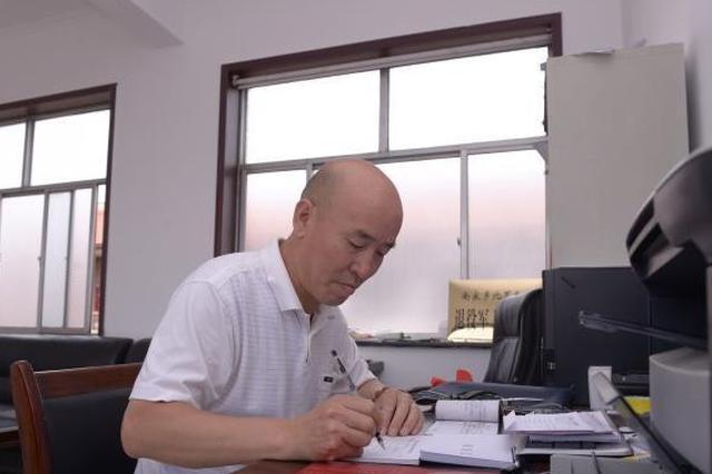 """年近五旬因病致贫 农村夫妻共学职技""""上岗""""脱贫"""