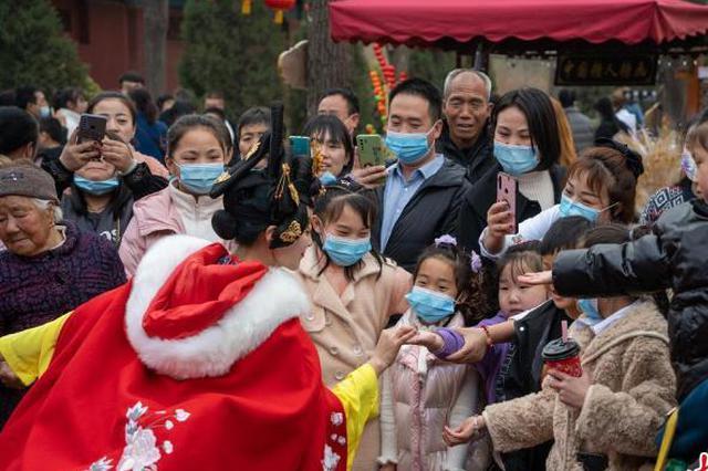 山西春节假日旅游吸金超百亿元