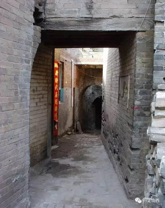 砥洎城中幽深的巷道