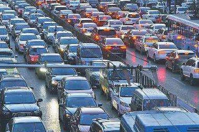 山西城镇居民每百户拥有汽车35.6辆电脑74.6台