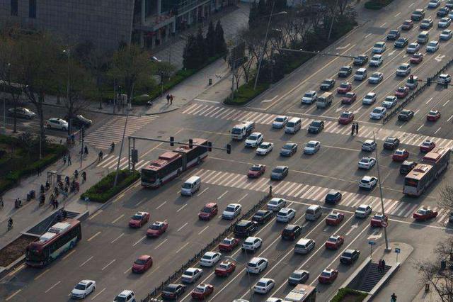 配合地铁施工 太原迎泽大街解放南路口通行方式有变