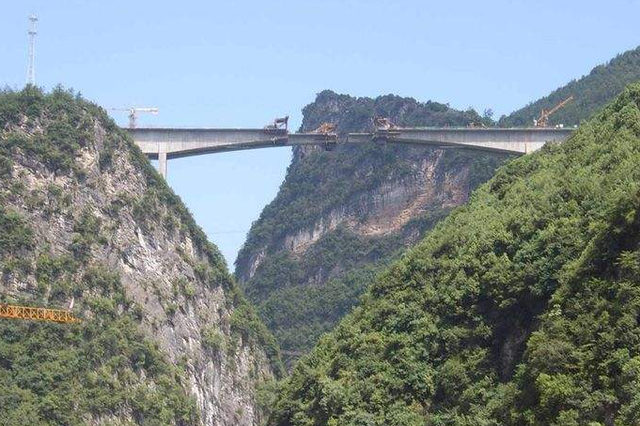 山西今年建一批道路铁路工程 高铁直通雄安