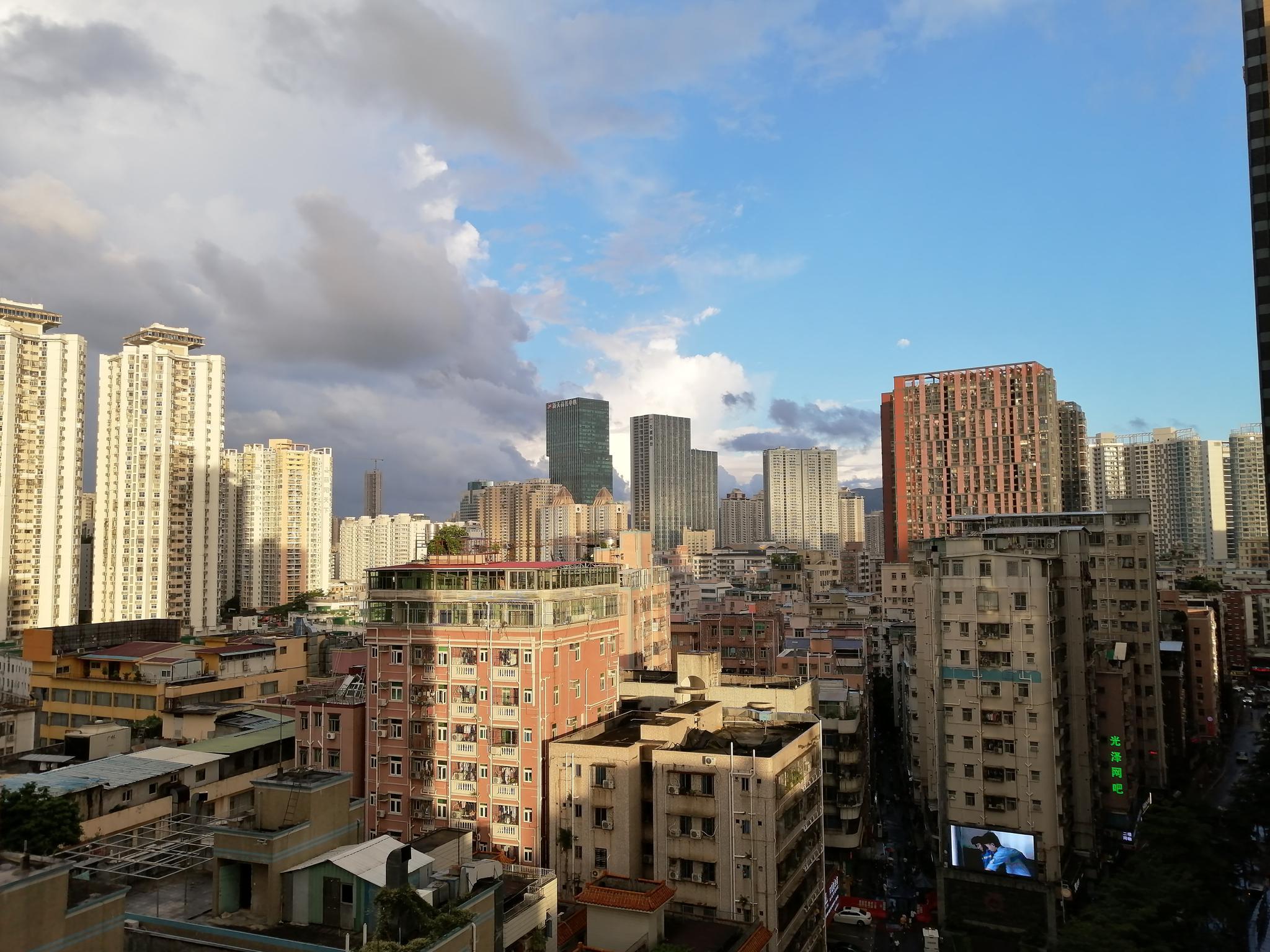 上半年深圳月均租金为71.2元/平方米