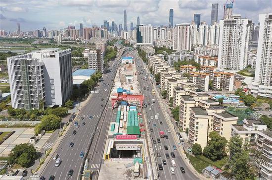 ▲深圳春风隧道在建工程项目。深圳晚报记者 张焱焱 摄