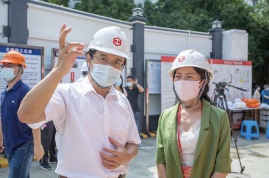▲市人大代表调研深圳市第十幼儿园重建工程