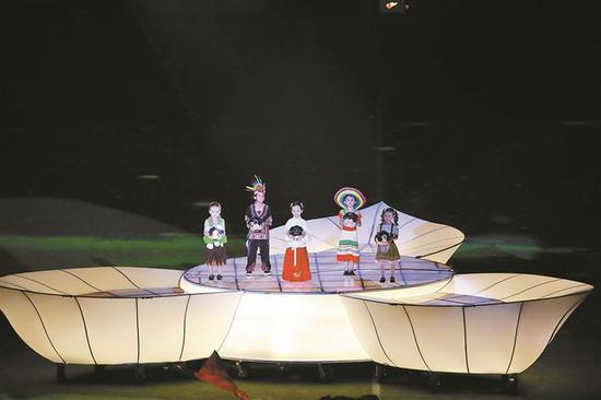 ▲开幕式表演将传统与科技有机融合。 黎江文 摄