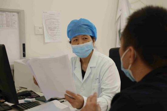 蔡慧主任医师看诊中。
