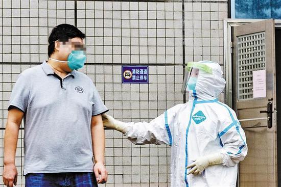 5月21日,深圳最后一名新冠肺炎确诊患者出院。深圳商报记者 李博 摄